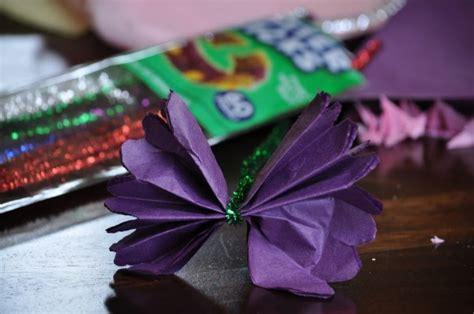 Flowers With Tissue Paper And Pipe Cleaner - craft how to make tissue paper flowers