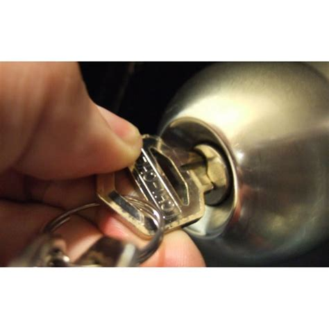 aprire porta aprire porta azioni materiale utile