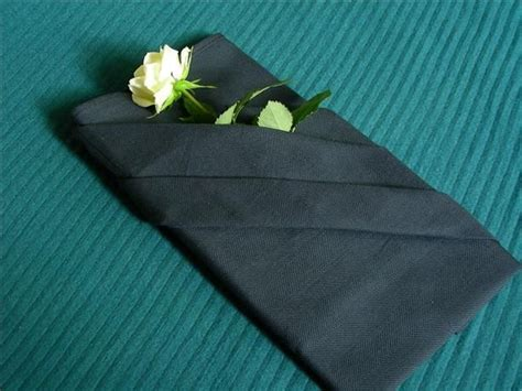 Basic Pleats With Pocket serviette napkin folding pleat with pocket
