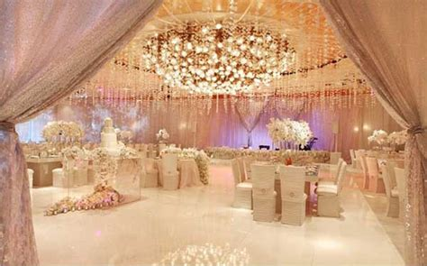 try cool wedding theme ideas for this season live the in you