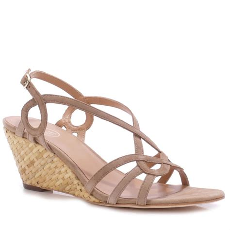 Sendal Wedges Pnc 1 chamois low wedge sandals