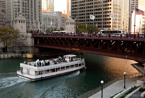 wendella boats bar wine cheese or beer bbq boat cruise wendella
