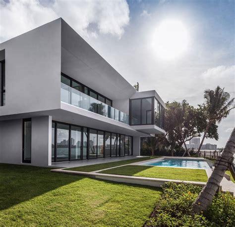 elegant beachside house design in miami beach modern elegant beachside house design in miami beach modern