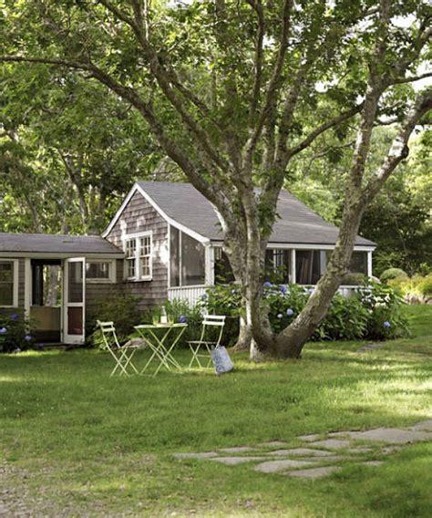 tony homes tony shalhoub s cottage on martha s vineyard hooked on