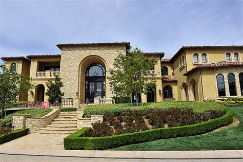 michael jackson s estate buys in calabasas for 10 75