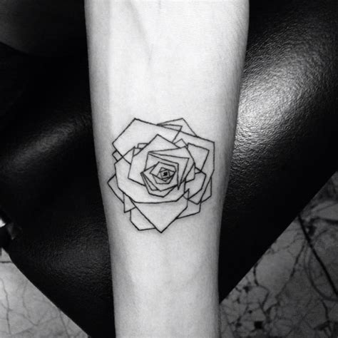 geometric tattoo tiny best 25 small geometric tattoo ideas on pinterest