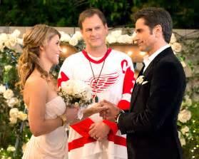 Wedding Programs Fans Uncle Jesse Aunt Becky S Fuller House Wedding Vow Renewal Photos