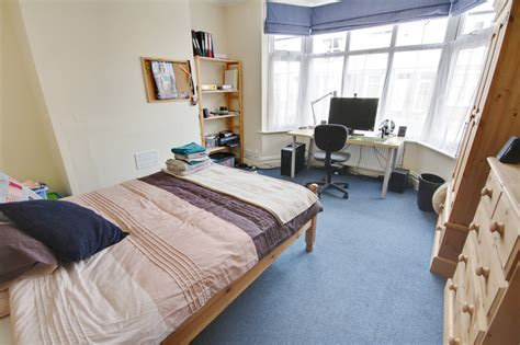 bedrooms first fresh massive 3 bedrooms first floor 13 bton street loughborough le11 5ds