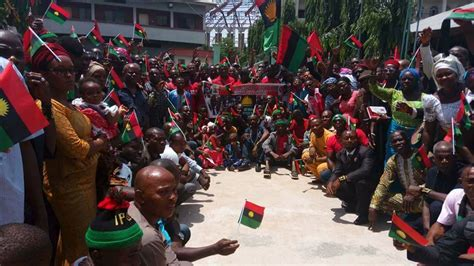 nigeria may evacuate citizens from south africa this week nigeria how to solve a problem like biafra african