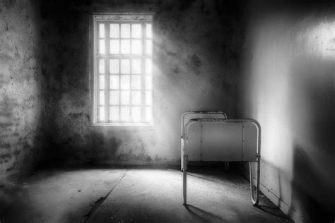 empty bed artwork selected for the book best of photography 2014 erik brede photography