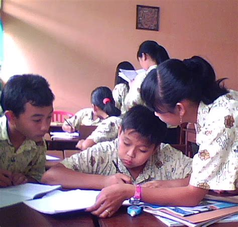 Menjadi Peneliti Ptk Yg Profesional guru matematika ptk matematika