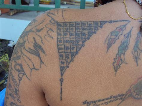 chai tattoo sak yant thai temple tattoos yant tong chai