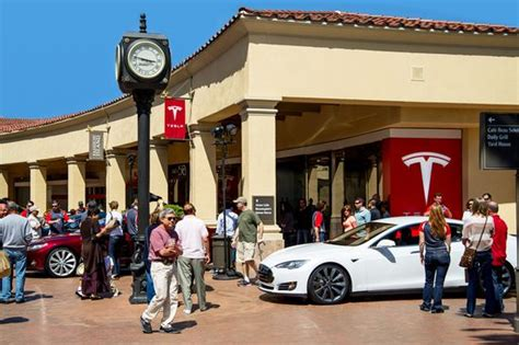Tesla Dealership California California New Car Dealers Seek Dmv Probe Into Quot Egregious