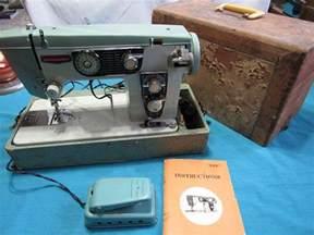 dressmaker heavy duty sewing machine model 950 b