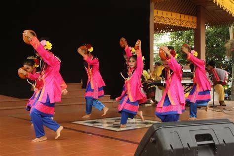 gambar tutorial gerakan dance zapin dara tarian akulturasi dua budaya indonesiakaya