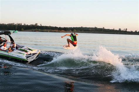 wake boat surfing wakeboard boating tips towing speed rope length weighting