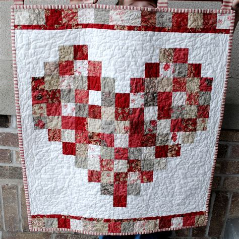 quilt pattern hearts hideaway girl rouenneries valentine quilt