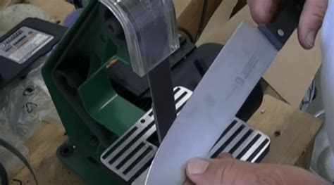 how to sharpen a knife razor sharp turn your knives razor sharp again using this easy