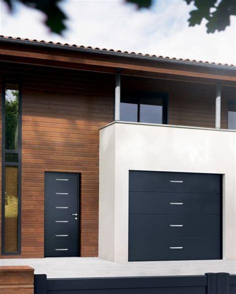 installation de menuiserie porte de garage alliage
