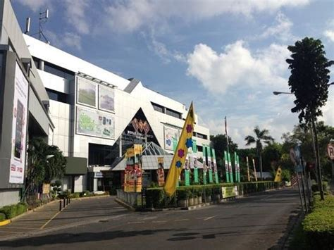 galeria wtc lantai 2 picture of wtc surabaya handphone center east java tripadvisor