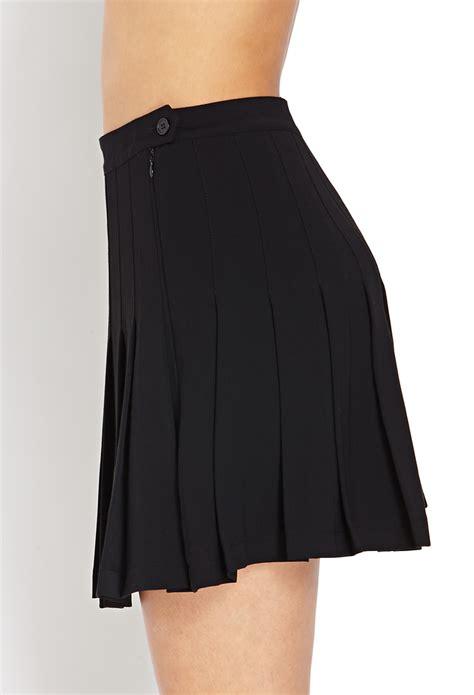 pleated black mini skirt redskirtz