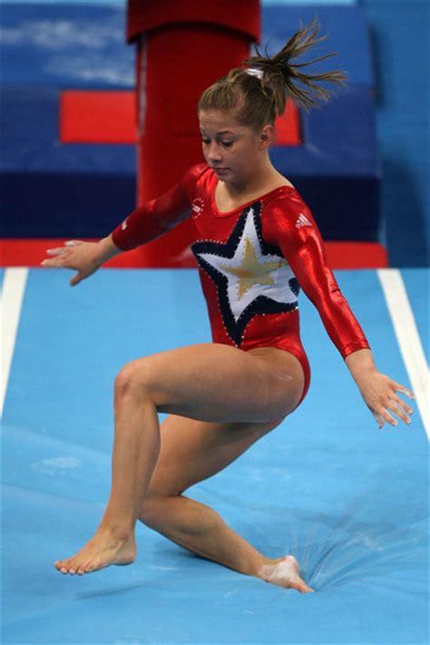 gymnastic oop shawn johnson shawn johnson in olympics day 2 artistic gymnastics zimbio