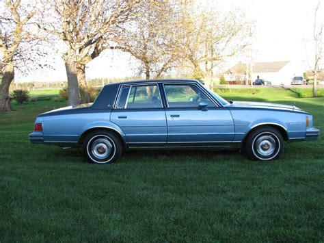 1982 Pontiac Bonneville by 1982 Pontiac Bonneville Prince County Pei Mobile