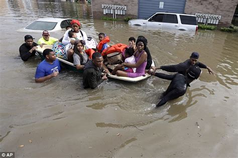 inflatable boats houston texas midwife stranded by houston flooding uses inflatable