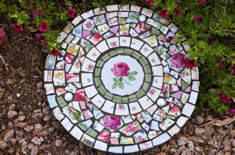 Mosaic Garden Stones by Mosaic Slate Stepping With By 2ndtimearoundmosaics