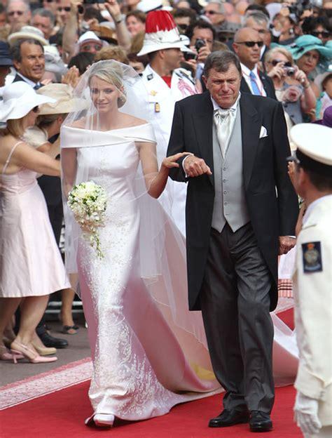 su princesa la novia boda de alberto de m 243 naco as 237 es el vestido de novia que armani ha dise 241 ado para la princesa