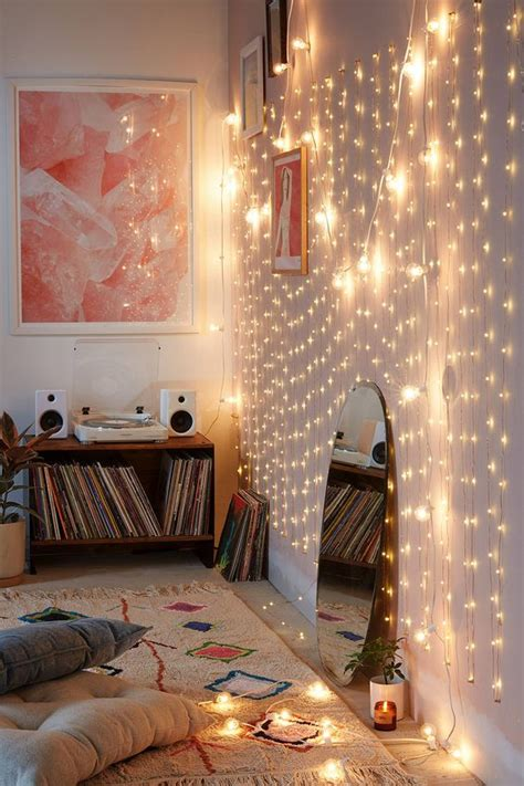 String Lights Wall - 25 cozy string lights ideas for living rooms digsdigs