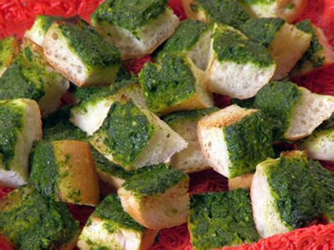 garlic bread recipe rachael ray food network green gobble ems garlic bread chunks recipe rachael ray