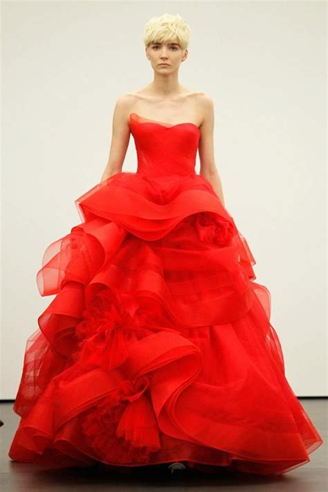 vera sees red for spring 2013 brides onewed