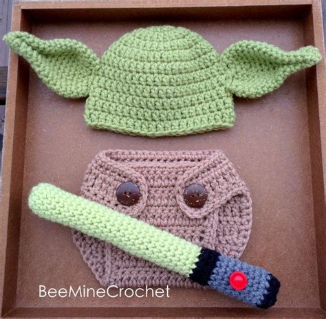 free pattern crochet yoda hat newborn crochet yoda outfit pattern 0 3 months diaper