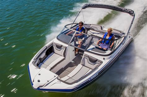 should i buy a yamaha jet boat 2017 yamaha 212 limited power boats inboard south windsor