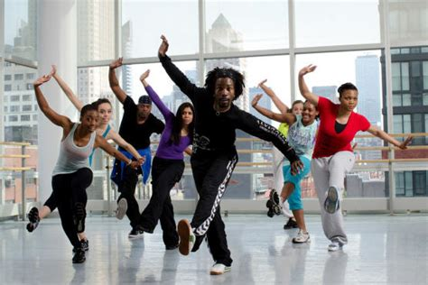 learn to dance to house music learn to dance at these house and hip hop dance classes
