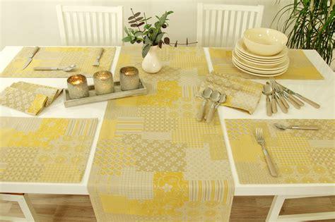 tischdecken im landhausstil landhaus tischset rustikal beige gold gr 246 223 e 30x48 cm