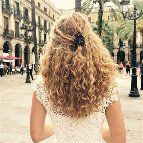 hair styles for white women with curly hair teying to grow hait from short to long 242 best images about white girl naturally curly hair on