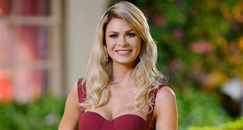 celebrity entertainment all of megan exclusive the bachelor s megan quot why i walked out