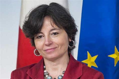 grazia carrozza ministro sa che la scuola italiana va a rotoli
