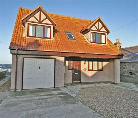 Aberdeenshire Cottages by Shoreline House Rosehearty Aberdeenshire Book This