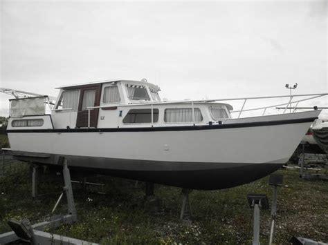 boten te koop roermond maas motorjacht brick7 boten