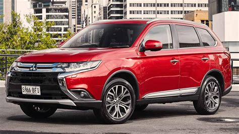 2015 mitsubishi outlander 2015 mitsubishi outlander review first drive carsguide