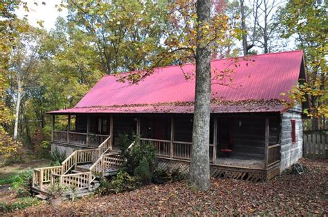 Chattanooga Log Cabins by This Log Cabin Is A One Of A Drive Signal