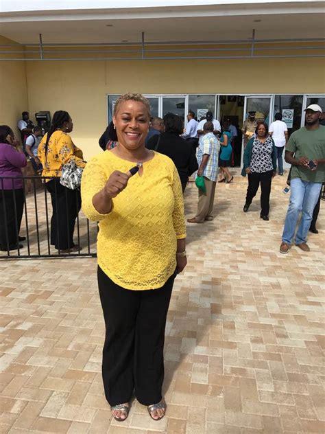 advanced poll voting underway   bahamas