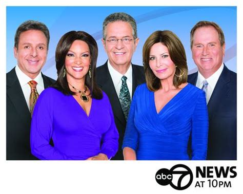 channel 7 news chicago anchors wls channel 7 newscast flexes muscle in may ratings