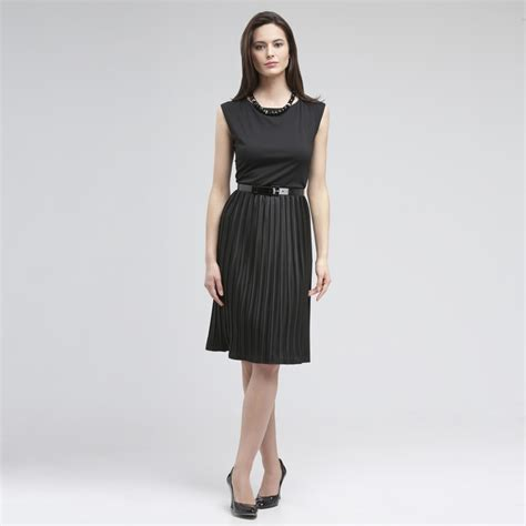 what styles of dresses for 60 something top 10 dress styles for women over 50