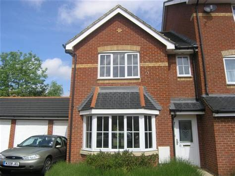 3 bedroom house to rent in kent 3 bedroom house to rent in kings prospect ashford kent tn24