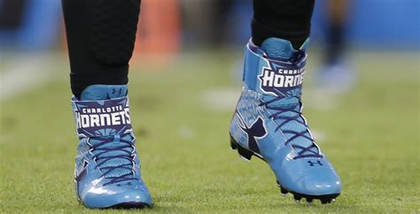 newton football shoes newton salutes the hornets with armour