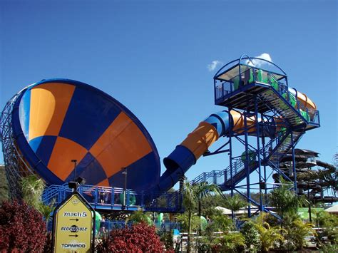 waters and the wild file wet n wild water world australia tornado jpg wikipedia